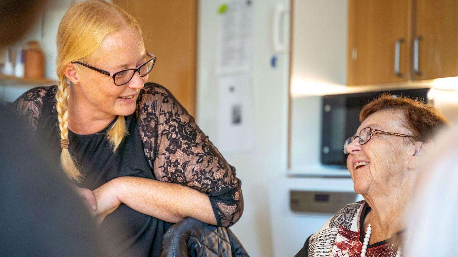 Coronavirus: Vi åbner for indendørs besøg på plejecentre